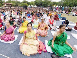 women-in-chennai-perform-yoga